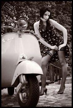 girl and v Scooters Vespa, Piaggio Vespa, Lambretta Scooter, Scooter Motorcycle, Motor Scooters, Vespa Girl, Scooter Girl, Pin Up, Vespa Vintage