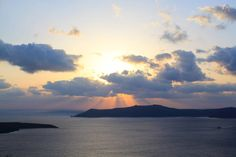 Santorini airbnb - superb views, small room, hotel $122/night