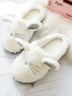Cute Slippers Round Toe Animal and Cartoon White Fluffy Animal Slippers Bunny Slippers, Winter Slippers, Cute Slippers, Slippers For Girls, Womens Slippers, Shoes Flats Sandals, Color Combinations For Clothes, Shoes, Socks