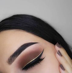 Gorgeous Makeup: Tips and Tricks With Eye Makeup and Eyeshadow – Makeup Design Ideas Cute Makeup, Gorgeous Makeup, Party Makeup, Makeup Set, Perfect Makeup, Eyeliner, Eyeshadow Makeup, Makeup Tools, Makeup Brushes
