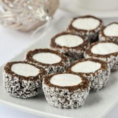 Marshmallow Roll Cookies – easy, no-bake and freezer friendly! Marshmallow Roll Cookies – easy, no-bake & freezer friendly! These cookie confections will be popular with all ages, especially around the Christmas season. Christmas Desserts, Christmas Treats, Christmas Cookies, Christmas Recipes, Christmas Holiday, Christmas Pudding, Christmas Appetizers, Holiday Crafts, Holiday Recipes
