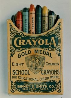 Happy Birthday to The Original 8 Crayola Crayons Antique Toys, Vintage Toys, Retro Vintage, Vintage Packaging, Vintage Labels, Vintage Images, Vintage Designs, D Mark, Old Toys