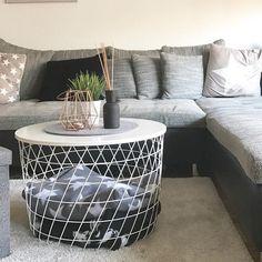 Living room inspiration  #hamburg #fall #livingroom #inspiration #kvistbro #blackandwhite #rosegold #livingroominspo #cozy #cozyhome #loveit