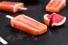 Fireball Whisky Root Beer Popsicles Will Change Your Life Mixed Drinks Alcohol, Drinks Alcohol Recipes, Yummy Drinks, Yummy Food, Fireball Cocktails, Fireball Recipes, Frozen Desserts, Frozen Treats, Root Beer Popsicles