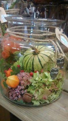 Herbstcreation - Blüten + Früchte der Jahreszeit