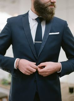 Greg Finck - preparations of LEs marie - Faubourg Saint Sulpice - The bride barefoot Groom And Groomsmen Style, Groomsmen Suits, Groom Style, Wedding Men, Luxury Wedding, Wedding Styles, Wedding Dress, Costume Marie Bleu, Beard Oil And Balm