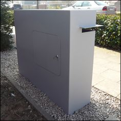 Design Brievenbus Corner » Ambrosia Design Metal Mailbox, Driveway Entrance, Boundary Walls, Sheet Metal, House Numbers, Filing Cabinet, Facade, Sweet Home, Signages