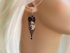 #dualshine  pendant earrings# pendant earrings dualshine#dualshine.com Pendant Earrings, Drop Earrings, Face Lace, Jewelry Crafts, Design Inspiration, Chain, Color, Fashion, Moda