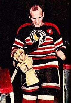 Hockey Rules, Women's Hockey, Blackhawks Hockey, Chicago Blackhawks, Hockey Players, Hockey Highlights, Goalie Mask, Black Hawk, Final Four