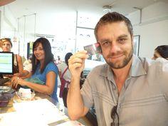 Nuestro engreído Fabrizio Aguilar ya tiene su ESTETICAR, tarjeta de cliente preferente.