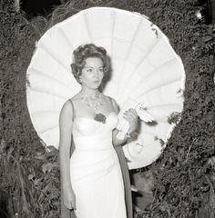 Sara Montiel – Wikipedia Gary Cooper, Marlene Dietrich, Recital, Sara Montiel, 10 March, Hollywood, Vintage Beauty, Musical, Spanish