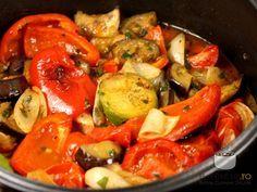 Legume la cuptor Salad Recipes, Diet Recipes, Cooking Recipes, Healthy Recipes, Healthy Food, My Favorite Food, Favorite Recipes, Romanian Food, Romanian Recipes