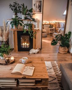 We all love the look of a lit fireplace, but for various reasons, having a roaring fire in your home this season might not be feasible. This is why this candlelit fireplace from @tatiana_home_decor is the perfect solution. Let's add some ambiance without having to buy wood or clean up ash. The time change creates that mood of a fireplace glowing while watching our favorite Netflix show. These candlelit fireplaces save the day by adding the ambiance without the maintenance. Home Living Room, Living Room Designs, Living Room Decor, Cozy Living Rooms, Room Ideas Bedroom, Bedroom Decor, Ideas Decorar Habitacion, Aesthetic Room Decor, Cozy Room