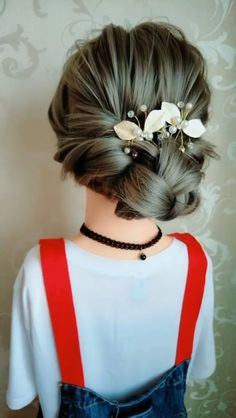 Elegant Hairstyle Tag a bestie 👭 that should try this style! Amazing😍 Elegant Hairstyle Dutch braid into messy bun Medium Hair Styles, Curly Hair Styles, Natural Hair Styles, Medium Hair Updo, Easy Hairstyles For Long Hair, Cute Hairstyles, Easy Elegant Hairstyles, Hairstyle Ideas, Hairstyle Wedding