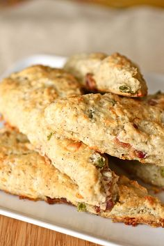 Bacon Cheddar Scones - hellooooo.....yes, please!!