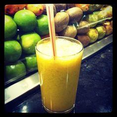 Från utbrändhet till livslust: Detox-frukost - Smoothies som läker och rensar kroppen Mango Drinks, Detox, Caramel Apples, Raw Food Recipes, Lchf, Healthy Drinks, Juice, Food And Drink, Pudding