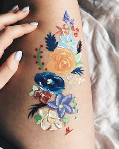 Body painting is a form of body art where artwork is painted directly onto the human skin. Unlike tattoos and other forms of body art, body painting is temporary, lasting several hours or sometimes up to a few weeks (in the case of mehndi or Leg Painting, Painting & Drawing, Painting Tattoo, Drawing Board, Body Art Tattoos, Leg Tattoos, Henna Kunst, Skin Paint, Body Paint Art