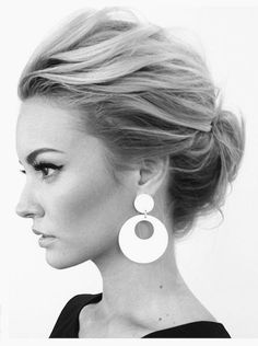 5-Minute Office-Friendly Hairstyles4