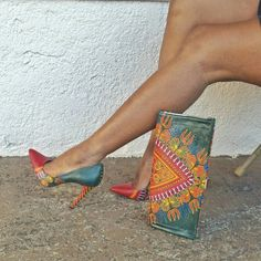 Green Dashiki African Print Shoes And Clutch Set, Wedding Shoes And Purse Set… Hot Shoes, Crazy Shoes, Pump Shoes, Me Too Shoes, Shoe Boots, Shoes Heels, Estilo Glamour, Beautiful Shoes, Wedding Shoes