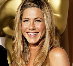 """Perfect skin and hair! Love #jenniferaniston in this pic! Total effortless beauty! Getting Your Skin """"Wedding Ready"""" 
