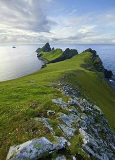 The Dragons Tail. St.Kilda looking towards the island of Dun with a view of…