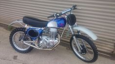 Harris jawa pat French frame she's up for sell for more information call 07792056893
