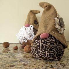 Dwarf Couple DIY Sewing Pattern and Tutorial door CrocheTrend