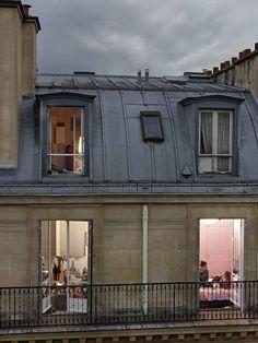 Vue sur les toits parisiens: