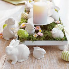 Easter Table Decorations Candles Easy Easter Table Decorations With Small Flowers Decor And Big Candles . Hoppy Easter, Easter Bunny, Easter Eggs, Ostern Party, Diy Ostern, Big Candles, Easter Table Decorations, Easter Centerpiece, Easter Decor