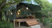 Masai Mara hotels offer the perfect pillow for every person. From historic properties to boutique hotels, discover the best places to stay. Camping Tours, Camping World, Tent Camping, Glamping, Africa Safari Lodge, California Beach Camping, Safari Holidays, Rift Valley, Hotels