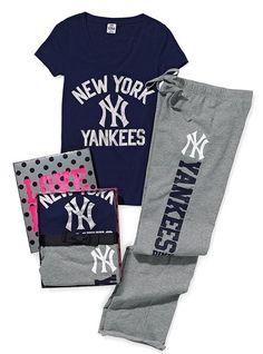 New York Yankees Tee & Boyfriend Pant Gift Set #Christmas #Yankees