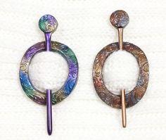 Shawl pins, mettalic