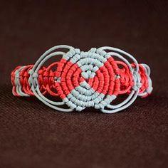 Macrame Circle Bracelet Tutorial