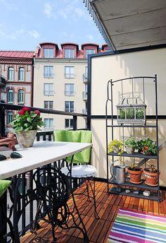 Love the shelving for a mini apartment garden!