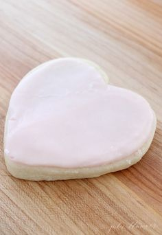 These Simple Sugar Cookies are so easy – and SO amazing! Get the tips and tricks to make Rolled Sugar Cookies with the best Cookie Frosting perfect every time, without the effort! Iced Sugar Cookie Recipe, Best Sugar Cookie Icing, Cookie Frosting Recipe, Rolled Sugar Cookies, Iced Cookies, Icing Recipe, Frosting Recipes, Buttercream Icing, Frosting Tips