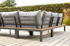 Toma loungeset zwart-grijs - aluminium met polywood en polyester - 4 personen - Exterioo Tuinmeubelen Metal Furniture, Outdoor Furniture, Steel Sofa, Outdoor Sofa, Outdoor Decor, Couches, Sheds, Aluminium, Interior Ideas
