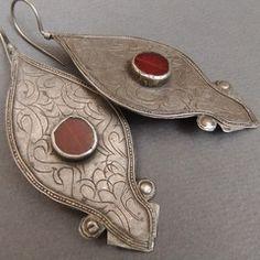 Palm Beads - Ersari Turkoman, Carnelian and Silver Earhooks