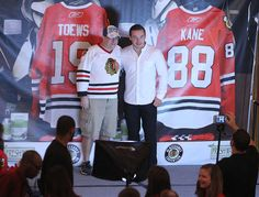 Marko Dano poses with a fan at his photo stage. Chicago Blackhawks Players, Hockey Players, Chicago Chicago, Sports Stars, Ice Hockey, Nhl, Stage, Scene, Hockey