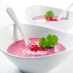 Potage de betteraves rouges Gazpacho, Dishes, Ethnic Recipes, Cold, Table, Cooker Recipes, Cream Soups, Beetroot, Beets
