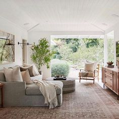 A Los Angeles, California canyon family home designed by Amber Lewis of Amber Interiors. Living Room Sets, Living Room Designs, Living Room Decor, Living Spaces, Dog Spaces, Small Spaces, Malibu Homes, Estilo Interior, Amber Interiors