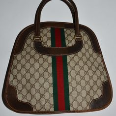 f57c8e4dbe0 Authentic vintage Gucci handbag in brown Authentic vintage Gucci handbag in  brown. GG Canvas is