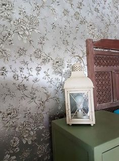 Wallpaper Elena Room View Cream Wallpaper, Luxury Wallpaper, Home Wallpaper, Silver Wallpaper Metallic, Silver Walls, House Entrance, Basic Colors, Decoration, Surface Design