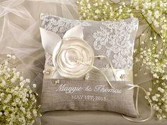 Hoi! Ik heb een geweldige listing gevonden op Etsy https://www.etsy.com/nl/listing/203998711/lace-wedding-ring-pillow-ring-bearer
