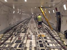 UPS Boeing 747 freighter interior Ups Airlines, Cargo Airlines, Commercial Plane, Commercial Aircraft, United Parcel Service, Boeing 747, Aircraft Pictures, Best Interior, Military Aircraft