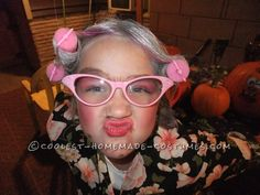 Cool Homemade Costume for a Girl: 8 Year Old in an 80 Year Old Body Halloween Costume Contest, Halloween Costumes For Girls, Halloween House, Fall Halloween, Halloween Party, Halloween Decorations, Costume Ideas, Halloween Stuff, Halloween Ideas