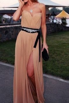 New Fashion 2014 Prom Dresses Long Champagne Chiffon Sweetheart Ruched Floor Length High Slit Evening Dresses With Beading Belt Mode Chic, Mode Style, Look Fashion, Fashion Beauty, Womens Fashion, Dress Fashion, Fashion 2014, Fashion Shoes, Make Girl