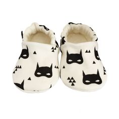 ORGANIC Baby Pram Shoes Slippers in Monochrome by bellaoski