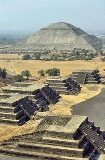 Mexico Travel Inspiration - Teotihuacán, Mexico - UNESCO World Heritage Site - located NE of Mexico City, Teotihuacan is one of the oldest known archaeological sites in Mexico. Places To Travel, Places To See, Travel Destinations, Site Archéologique, México City, Ancient Ruins, Mayan Ruins, Ancient Artifacts, Ancient Greece