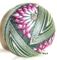 temari+balls+stitches+and+instructions | INTRICATE PATTERNS INTO BEAUTIFUL JAPANESE TEMARI