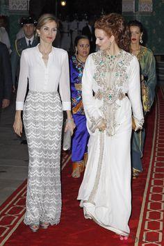 La Reina Letizia y la Princesa Lalla Salma a su llegada a la cena de gala ofrecida en Marruecos